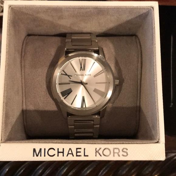743782a91b9c Women s Michael Kors Watch - NWT